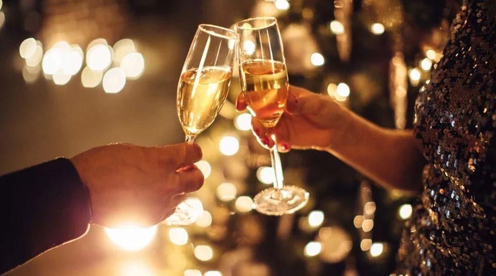 Ποια είναι τα καλύτερα ποτήρια για να πιείτε σαμπάνια;
